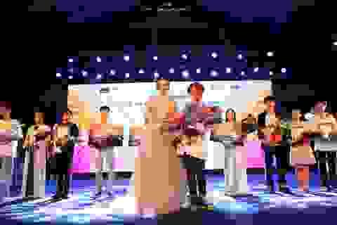 Vừa đàn vừa hát, nam sinh Quảng Bình đăng quang ngôi Quán quân Học bổng Tài năng ĐH FPT