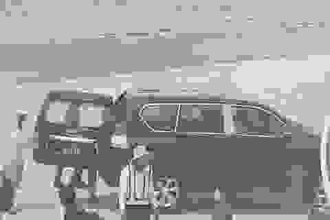 Cấp lãnh đạo nào được ô tô đưa đón tận chân máy bay?