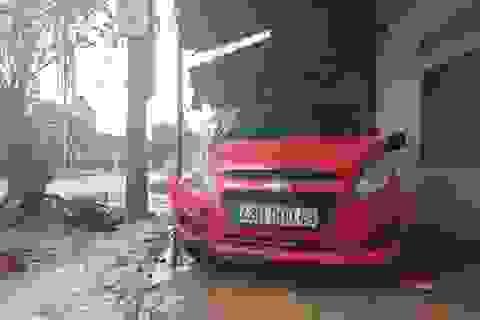 Cảnh cáo cán bộ công an say xỉn lái xe gây tai nạn nghiêm trọng