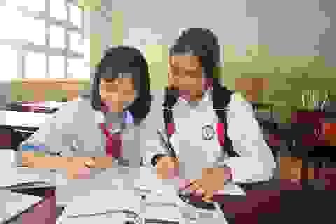 Những học sinh vùng khó nỗ lực học tập để nuôi ước mơ