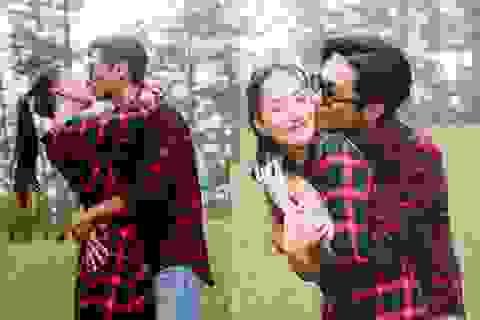 Vợ chồng Khánh Thi - Phan Hiển ôm hôn say đắm trong chuyến du lịch Đà Lạt
