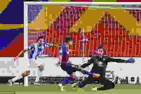"""Luis Suarez: """"Barcelona không còn hy vọng vô địch La Liga"""""""