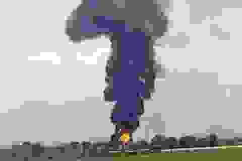 Cháy khu vực kho xăng dầu sân bay quân sự Thành Sơn
