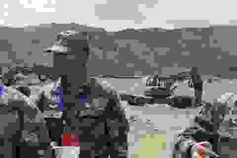 Trung Quốc bị nghi dùng máy xúc đặc biệt xây công trình gần biên giới Ấn Độ