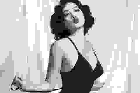 Hóa thân thành Marilyn Monroe, Yaya Trương Nhi cực gợi cảm