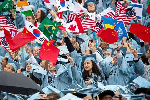 Sinh viên châu Á lao đao vì quy định trục xuất của chính quyền Trump