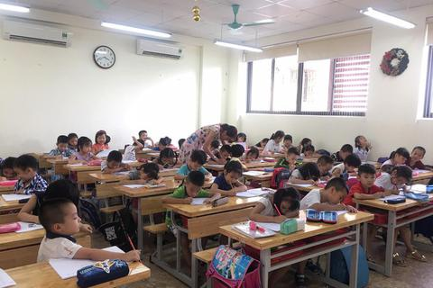 Thiếu phòng học, học sinh phải học thứ bảy