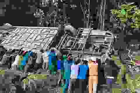 Hiện trường vụ tai nạn khiến 5 người tử vong, hàng chục người bị thương