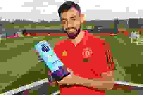 Fernandes giành giải Cầu thủ xuất sắc nhất tháng tại Premier League