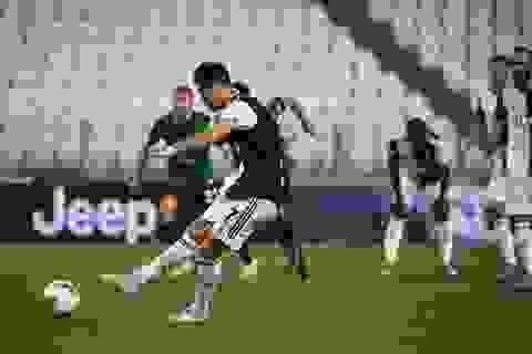 C.Ronaldo lập cú đúp phạt đền, Juventus thoát thua ngoạn mục