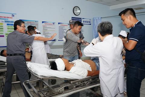Vô hiệu hóa nhóm 20 côn đồ truy sát nhau trong bệnh viện