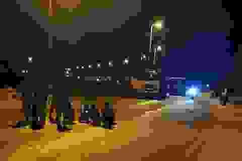 Hà Nội: Dân chặn đường vào bãi rác Nam Sơn do nước bốc mùi