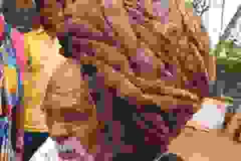 Cụ ông 95 tuổi sống chung với mái tóc dài hơn 7m