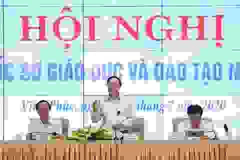 """Bộ trưởng Phùng Xuân Nhạ: Tránhlạm dụng giấy khen dẫn đến """"tác dụng ngược"""""""