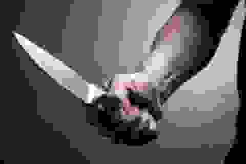 Dùng dao đâm người trọng thương chỉ vì không xin được số điện thoại