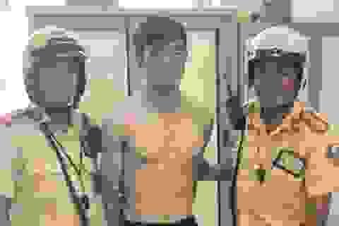 Thanh niên trộm xe máy cầm dao chống trả công an khi bị vây bắt