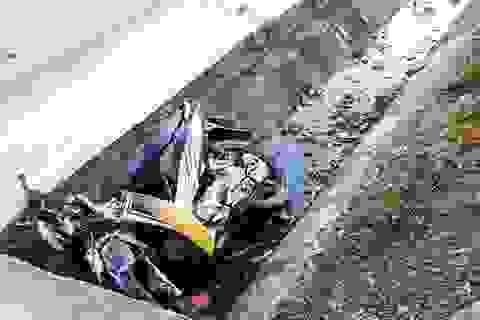 Xe máy lao xuống mương nước, 2 anh em tử vong thương tâm
