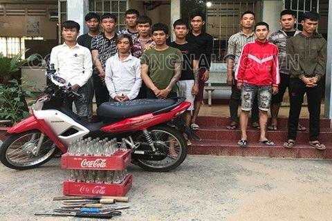 Ngăn chặn 2 nhóm thanh niên chuẩn bị hỗn chiến vì tiếng nẹt pô