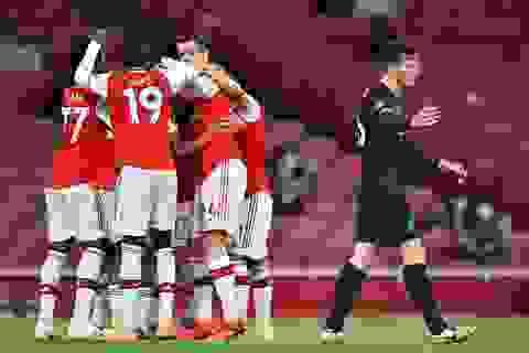 Arsenal 2-1 Liverpool: Sai lầm của Van Dijk, Alisson