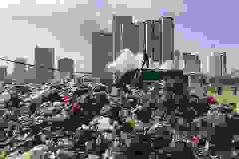 """Bãi Nam Sơn bị """"phong tỏa"""", rác trong nội đô chất """"như núi"""""""