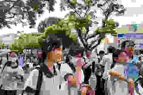 Thi lớp 10 tại TPHCM: Thí sinh thoải mái sau buổi thi Ngoại ngữ