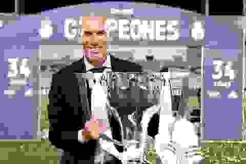 """Zidane """"chạm tay ra vàng"""": 19 trận lại có 1 danh hiệu"""