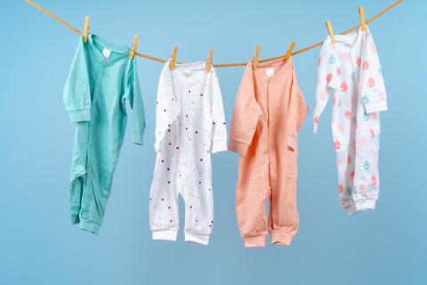 Vì sao cần sử dụng loại nước giặt riêng cho trẻ nhỏ