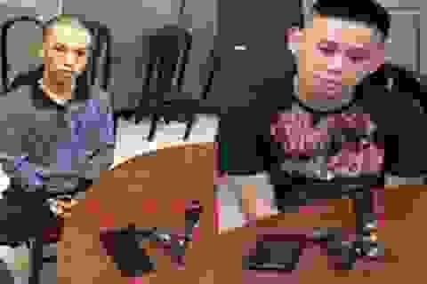 Cảnh sát bắt 2 tên cướp có súng trong ngày ra quân trấn áp tội phạm
