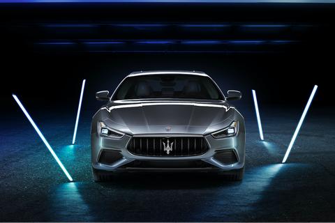 Ghibli Hybrid mới: Mẫu xe sử dụng năng lượng điện đầu tiên của Maserati