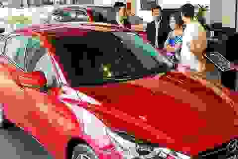 Ô tô mất giá quá nhanh, khách mua sớm tiếc ngẩn ngơ