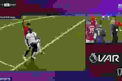 """Điểm lại những lần Man Utd được công nghệ VAR """"cứu thua"""""""