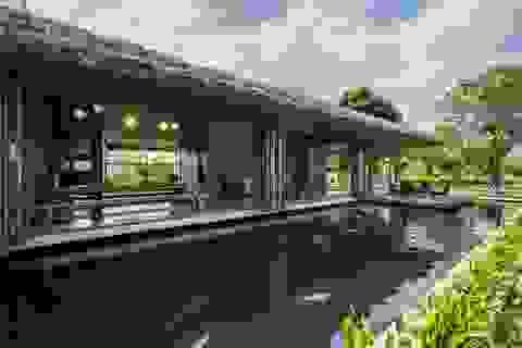 Nhà vườn có hồ cá Koi đẳng cấp ở ngoại thành của vị doanh nhân Sài Gòn