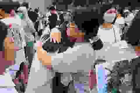 Những hình ảnh rung động lòng người trong kỳ thi vào lớp 10 ở Hà Nội