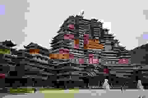Huyện nghèo Trung Quốc nợ hàng tỷ USD vì các dự án khủng xây mãi không xong