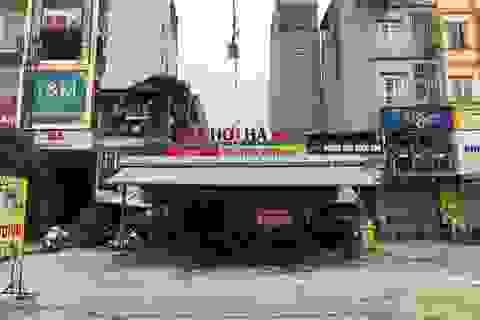 Hà Nội: Nhân viên quán bia 17 tuổi nghi đâm đồng nghiệp tử vong