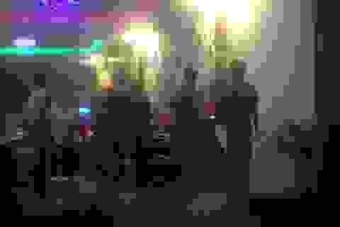 """Đòi tiền """"bo"""" cho tiếp viên, quản lý quán karaoke bị khách đánh tử vong"""
