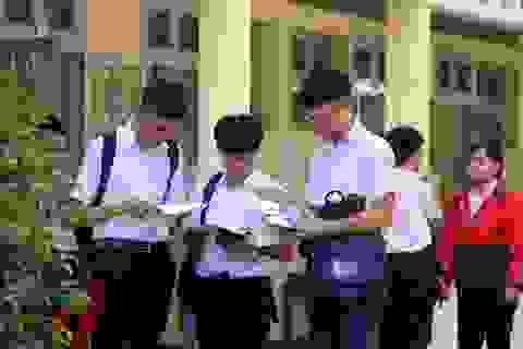 Phú Yên: Đề Toán thi vào lớp 10 khó, thí sinh buồn bã rời phòng thi