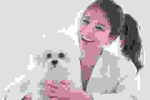 Cột tóc cao, cười rạng ngời, Song Hye Kyo thách thức mọi ống kính