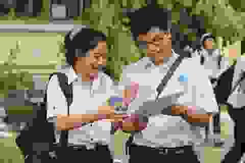 """Phú Yên: Đề thi môn tiếng Anh dễ, thí sinh như """"cứu được bàn thua"""""""