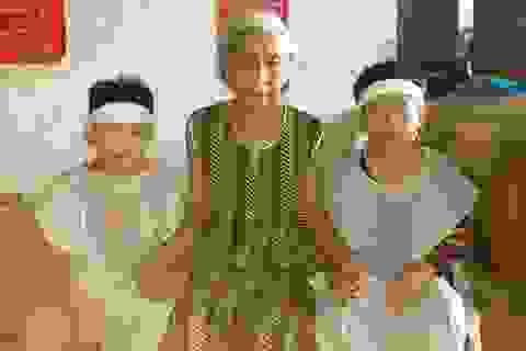 Thương cảnh cụ bà 88 tuổi vẫn gồng mình chăm con tâm thần và 2 cháu nhỏ
