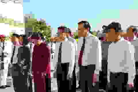 Chủ tịch Quốc hội dâng hương Tượng đài liệt sĩ và Tượng đài Bà mẹ VNAH