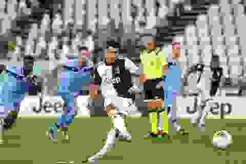 C.Ronaldo tỏa sáng rực rỡ, Juventus tiến rất gần tới chức vô địch Serie A