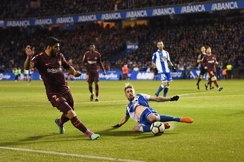 Trận đấu ở Tây Ban Nha bị đình chỉ gấp vì có 12 ca nhiễm Covid-19