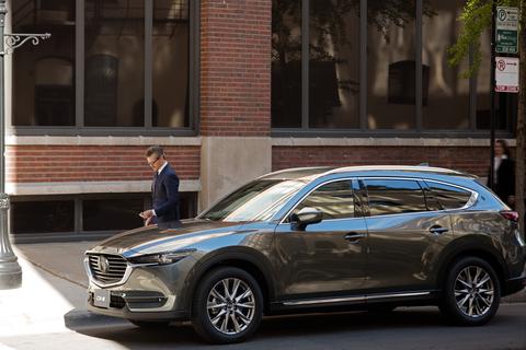 Mazda CX-8 giảm giá niêm yết, thách thức nhiều mẫu xe gầm cao