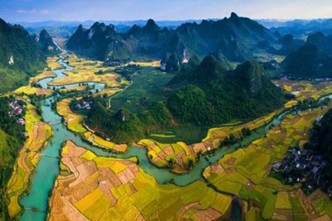Non nước Cao Bằng lọt Top 50 điểm đến có tầm nhìn đẹp nhất