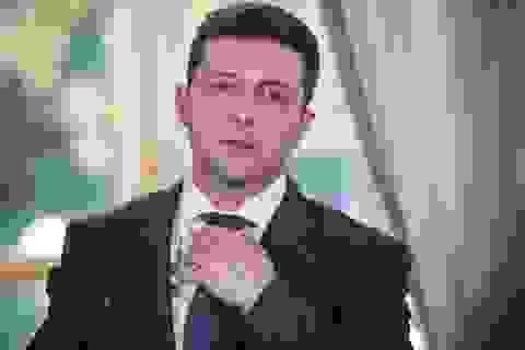 Tổng thống Ukraine làm theo yêu cầu kỳ quặc của tay súng để cứu 20 con tin