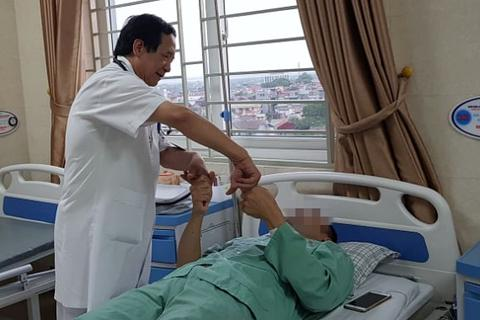Người đàn ông bất ngờ bị đột quỵ vì thói quen nhiều người Việt mắc phải