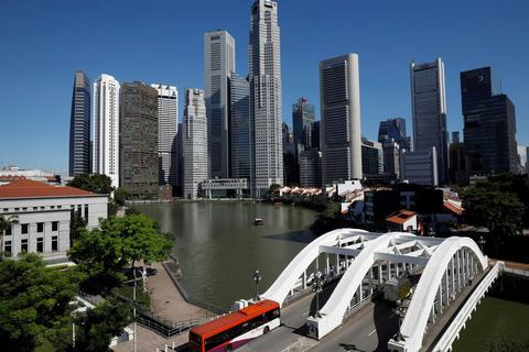 """Singapore có thể giành """"vương miện tài chính"""" của Hồng Kông?"""