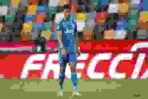 C.Ronaldo mờ nhạt, Juventus thua sốc và lỡ cơ hội vô địch sớm