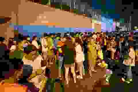 Khán giả ngồi chật sân Thống Nhất xem Công Phượng đối đầu Quang Hải